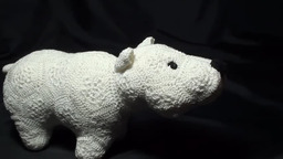 """Вязаный белый медведь из мотива """"Африканский цветок"""""""