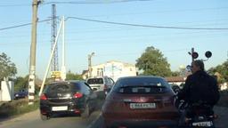 Красный сигнал светофора на ЖД переезде?? - нет, не слышали о таком...