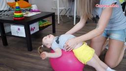 Развитие ребенка посредством простых упражнений с мячом